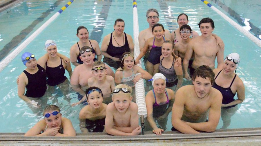 The+Galena+swim+team+at+the+mock+meet+in+the+community+pool.