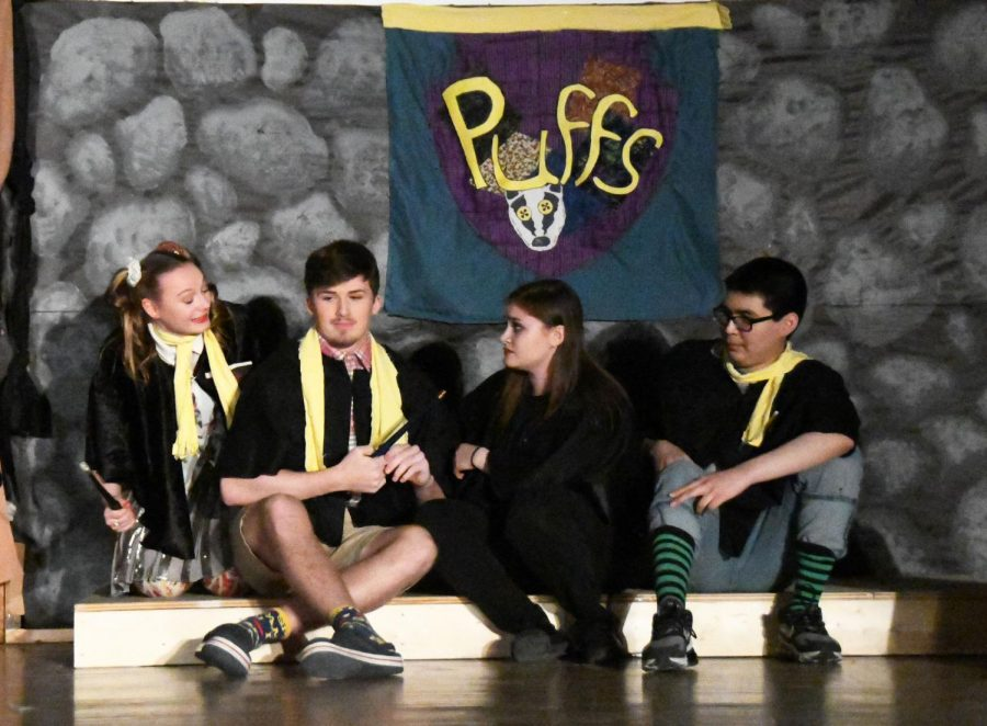 activity-theater-puffs-20191206-5825