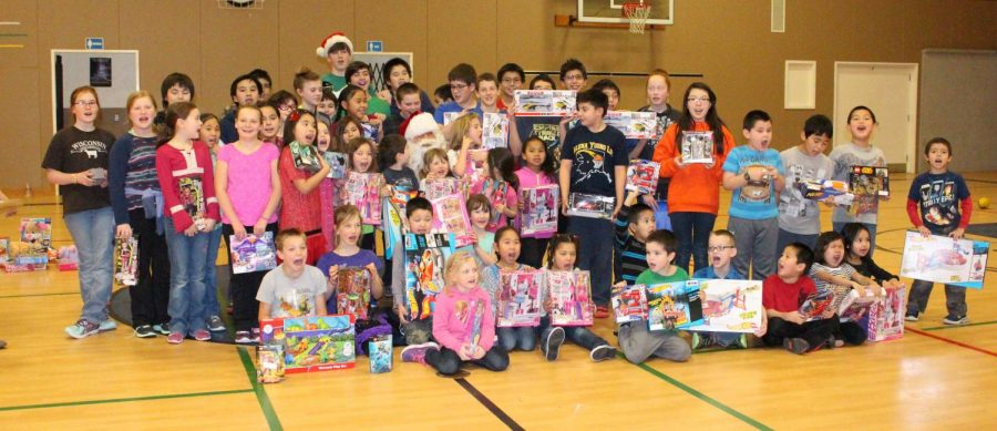 activity-toys_for_tots-20151214-4325