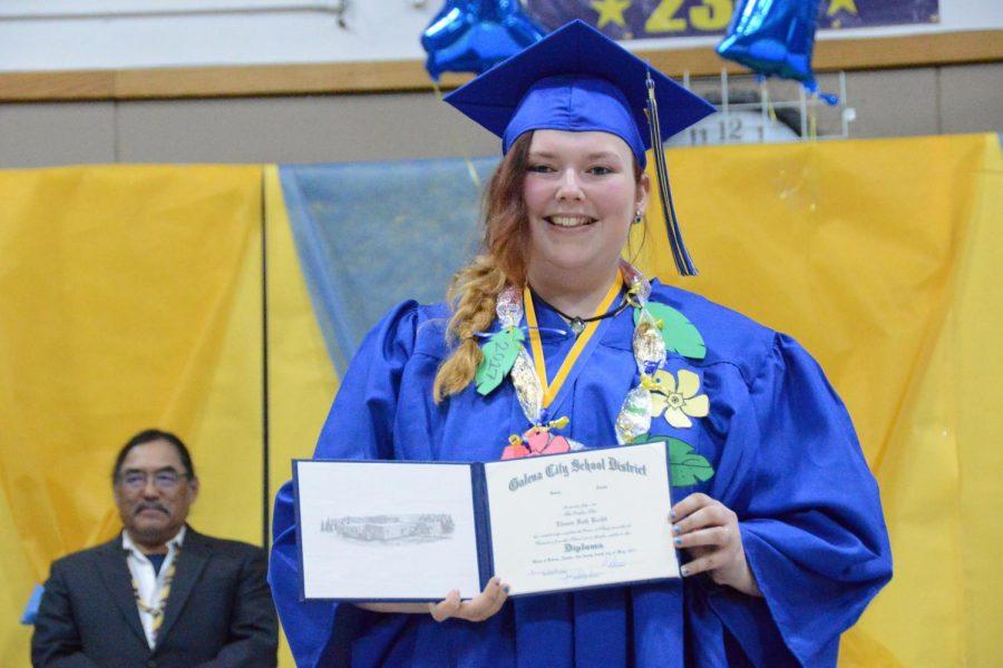 grad-diploma-20170524-2666